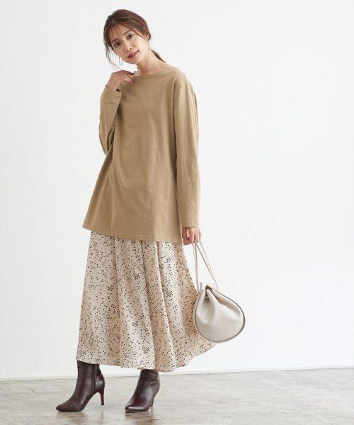 ゆったりロンT×ふんわりスカートでシルエットを楽しむ♪フェミニンムードな着こなしに