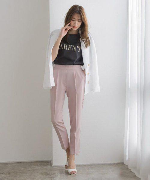 ニュアンスカラーのピンクが今っぽい♡ロゴTでハズして甘辛MIXに