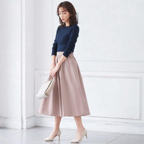 くすみピンク×スカート