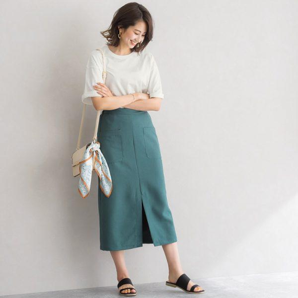 白トップス×Iラインスカート