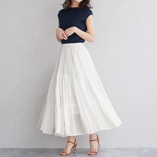.リブトップス×白プリーツスカート