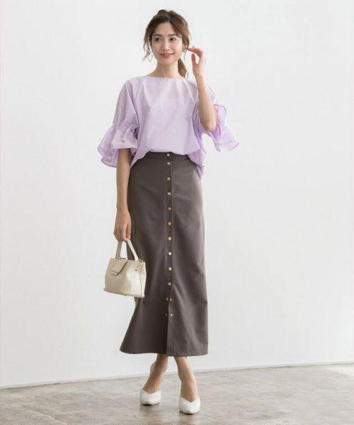 透明感が手に入るラベンダーブラウス×ロングスカートできれいめカジュアルに♪