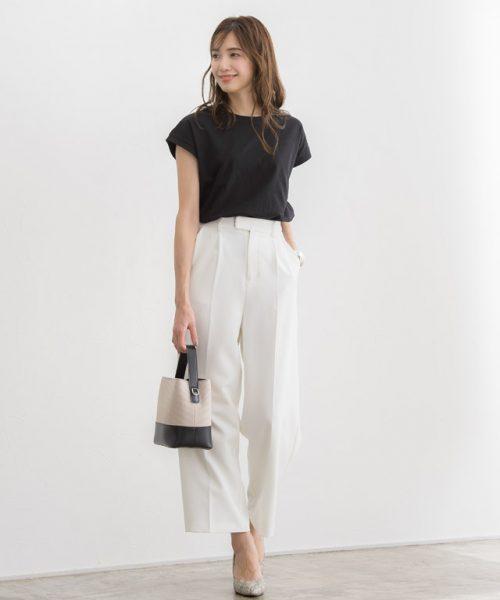 """清涼感たっぷりのきれいめスタイルは""""白黒コーデ""""でつくる♪重く見えない着こなしで格上げを実現"""