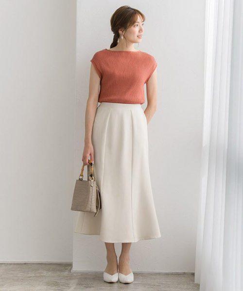 マーメイドスカート×リブニットで新鮮さも取り入れた好印象コーデ
