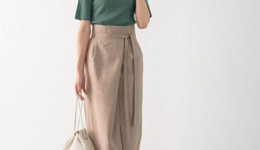 """""""アッシュグリーン""""でアクセントの効いた着こなしを♪女性らしさと季節感を両立した大人女子スタイル"""